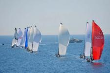 RC44 fleet race
