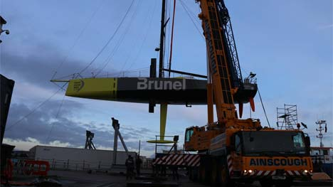 Brunel boot in kraan